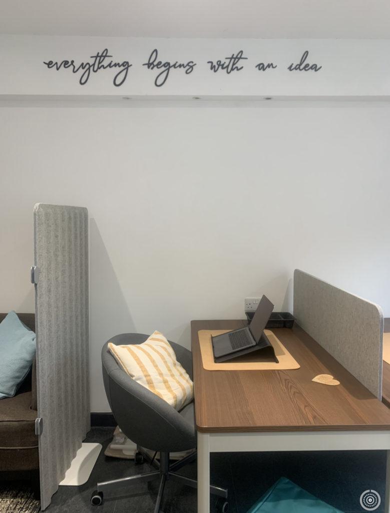 Coworking Corner desk space